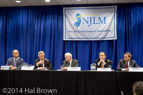 Former Governors DiFrancesco, Florio, Byrne, Codey, and Bennett speak at a panel event