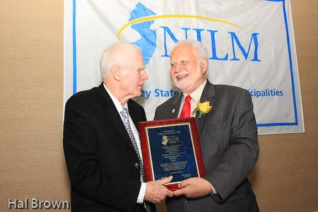 League President Bob Bowser (r) presents the 6th Annual Distinguished Public Service award to former NJ Gov. Brendan Byrne