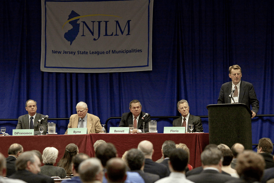 Jim McSweeney moderates former governor's panel with Govs. DiFrancesco, Byrne, Bennet, and Florio