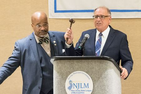 NJLM President Al Kelly hands the gavel over to new president Mayor James Cassella